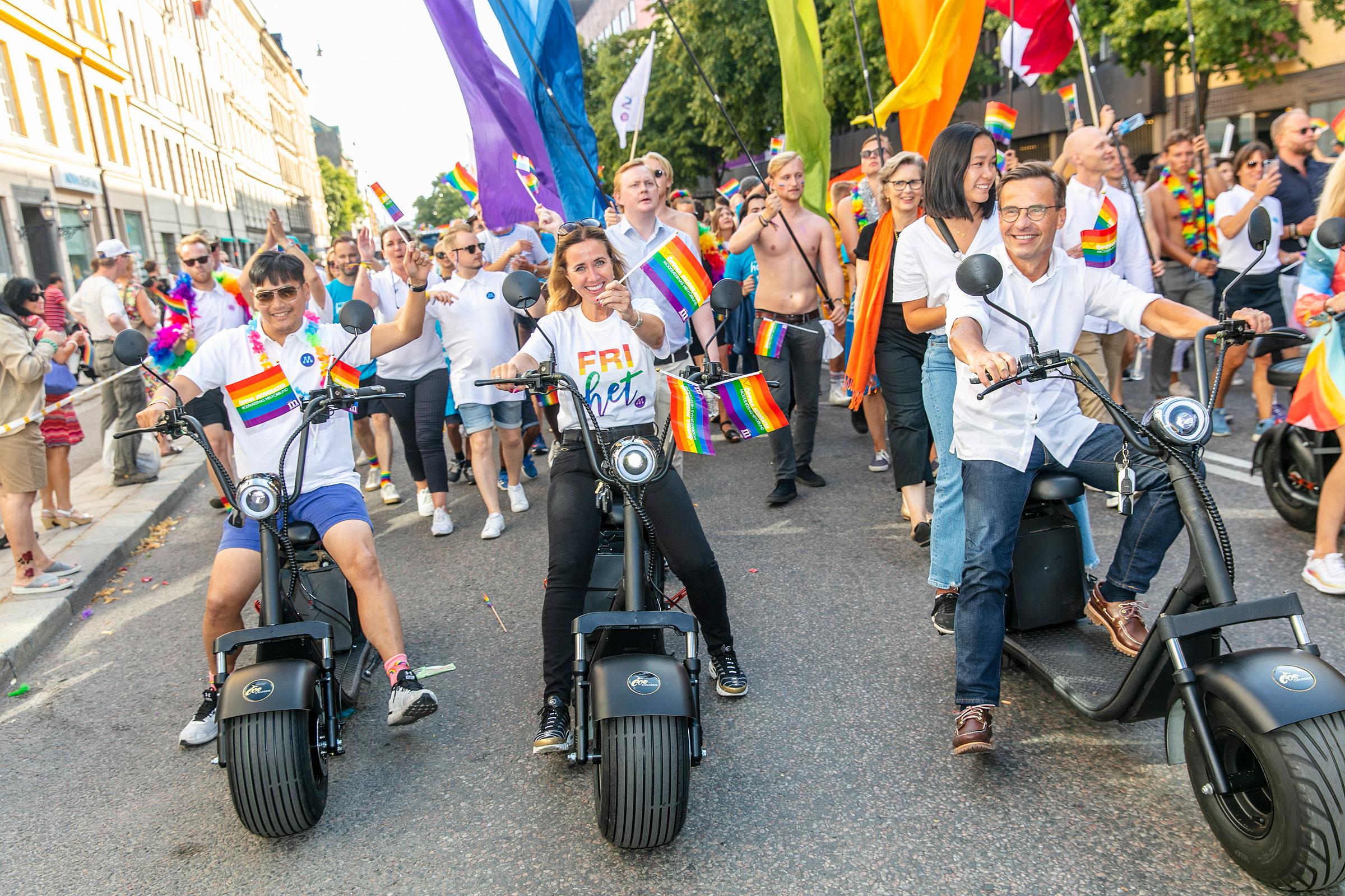 Ulf-Kristersson-i-Stockholm-Pride-taget